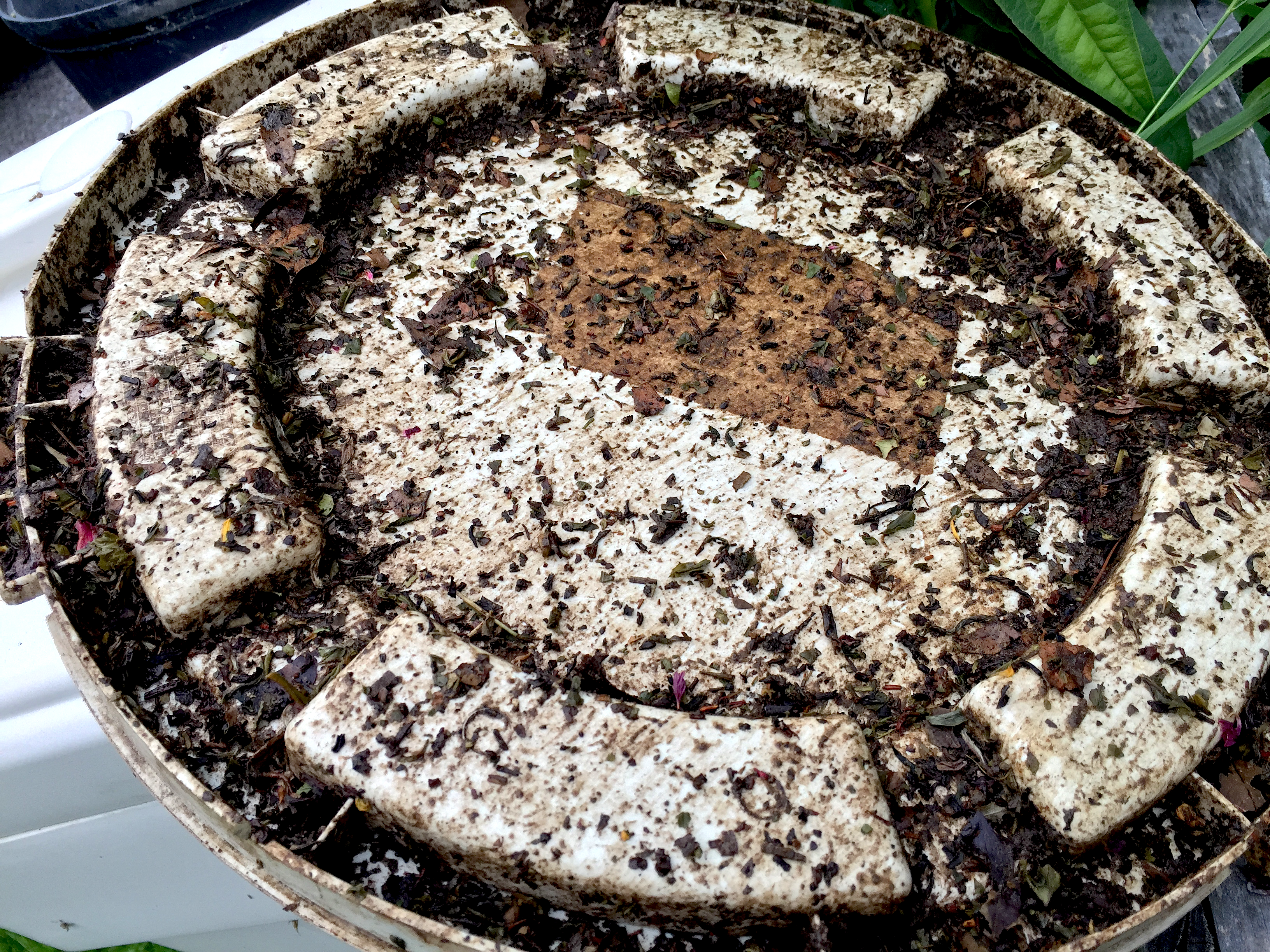 Compost Barrel Lid by Jocilyn Mors is licensed under a Creative Commons Attribution 4.0 International License.