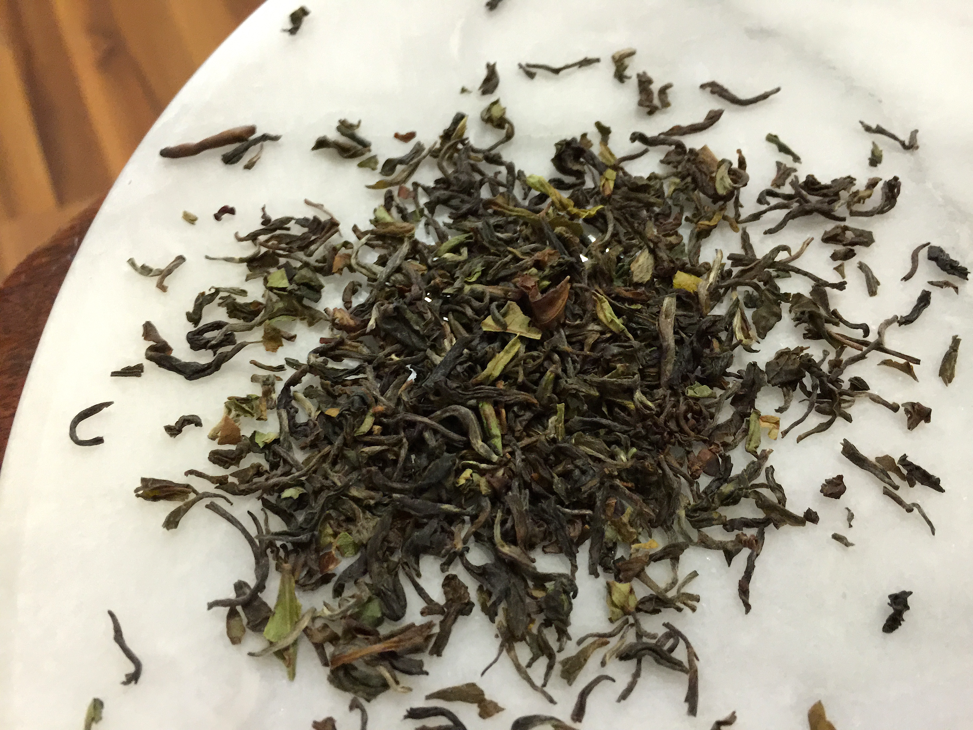 Darjeeling de Triomphe Loose Leaf by Jocilyn Mors is licensed under a Creative Commons Attribution-ShareAlike 4.0 International License.