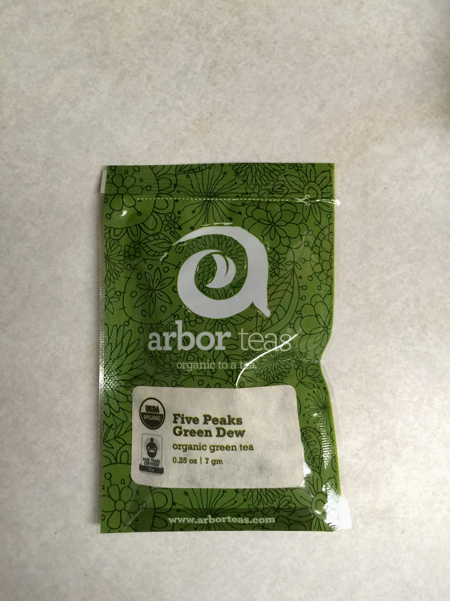 Five Peaks Green Dew (Arrbor Teas): package by Jocilyn Mors is licensed under a Creative Commons Attribution-ShareAlike 4.0 International License.