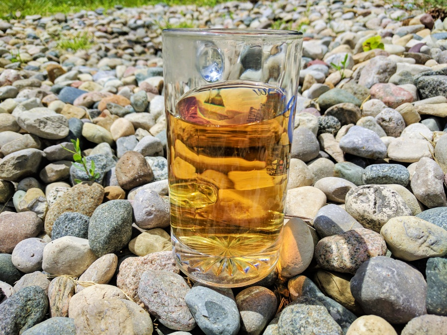 Photograph of Antu Valley SFTGFOP (Chado) ~ liquor by Jocilyn Mors is licensed under a Creative Commons Attribution-NonCommercial-ShareAlike 4.0 International License.
